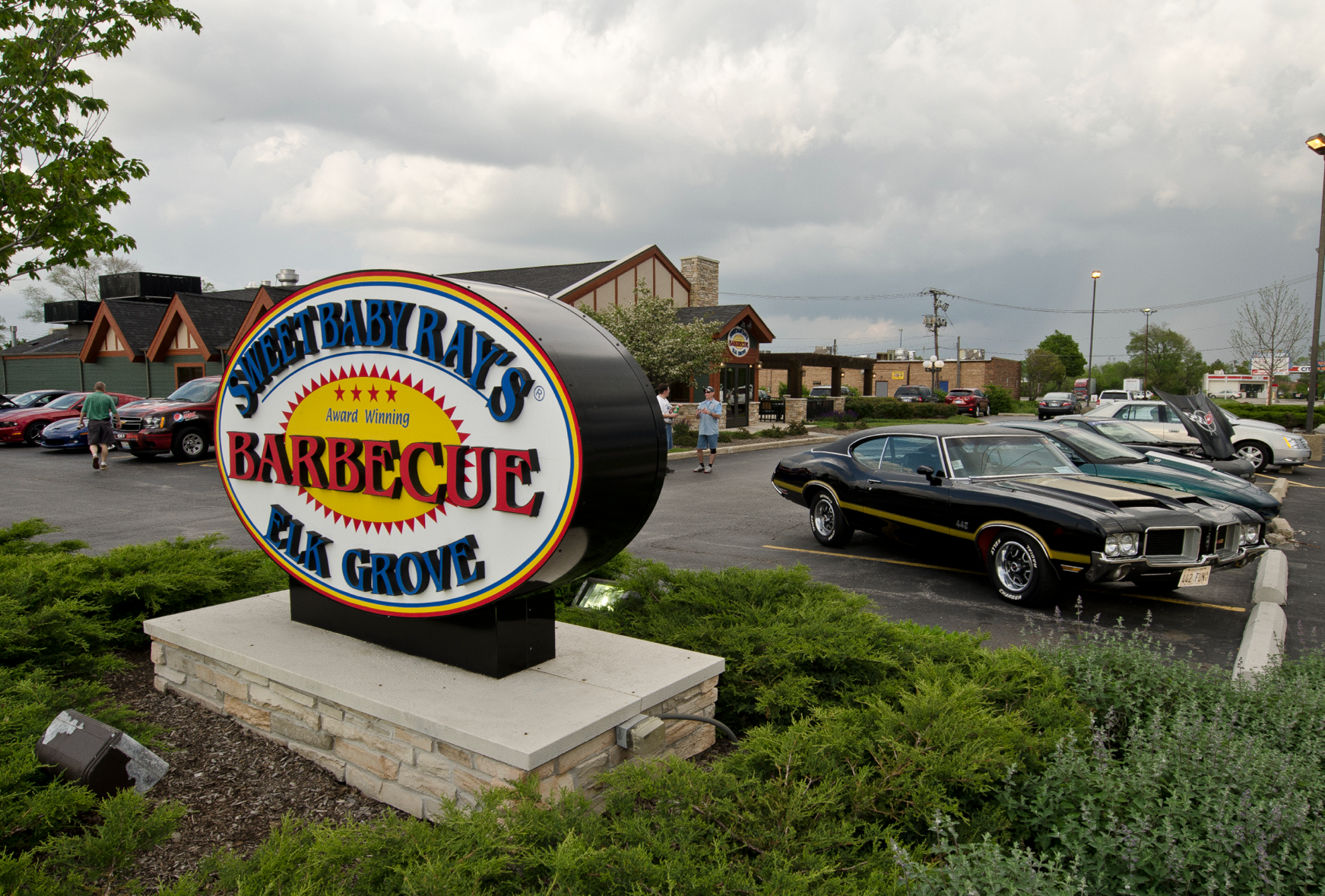 CRUISE NIGHT: Elk Grove Village Sweet Baby Ray's BBQ ...