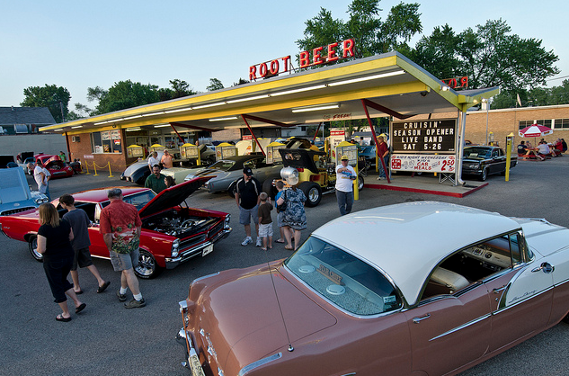 Classic cars parked at Miller's Dog 'n Suds in Ingleside, Illinois for cruise night.