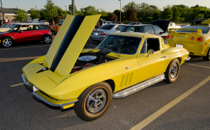 Classic cars parked at the Lake Zurich cruise night.