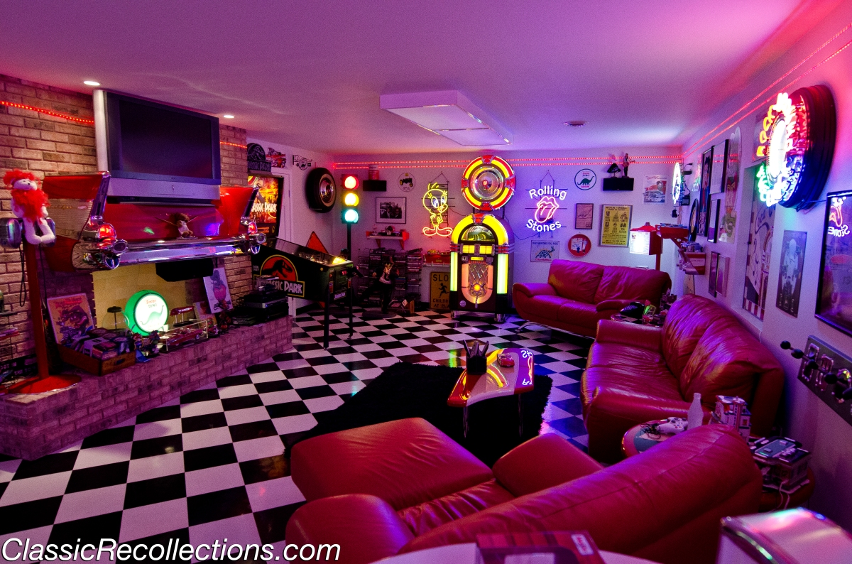 DREAM GARAGES: 1950's Basement