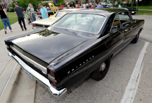 Bryan Bending drives his 1967 Ford Fairlane GTA to the downtown Palatine Illinois cruise night.