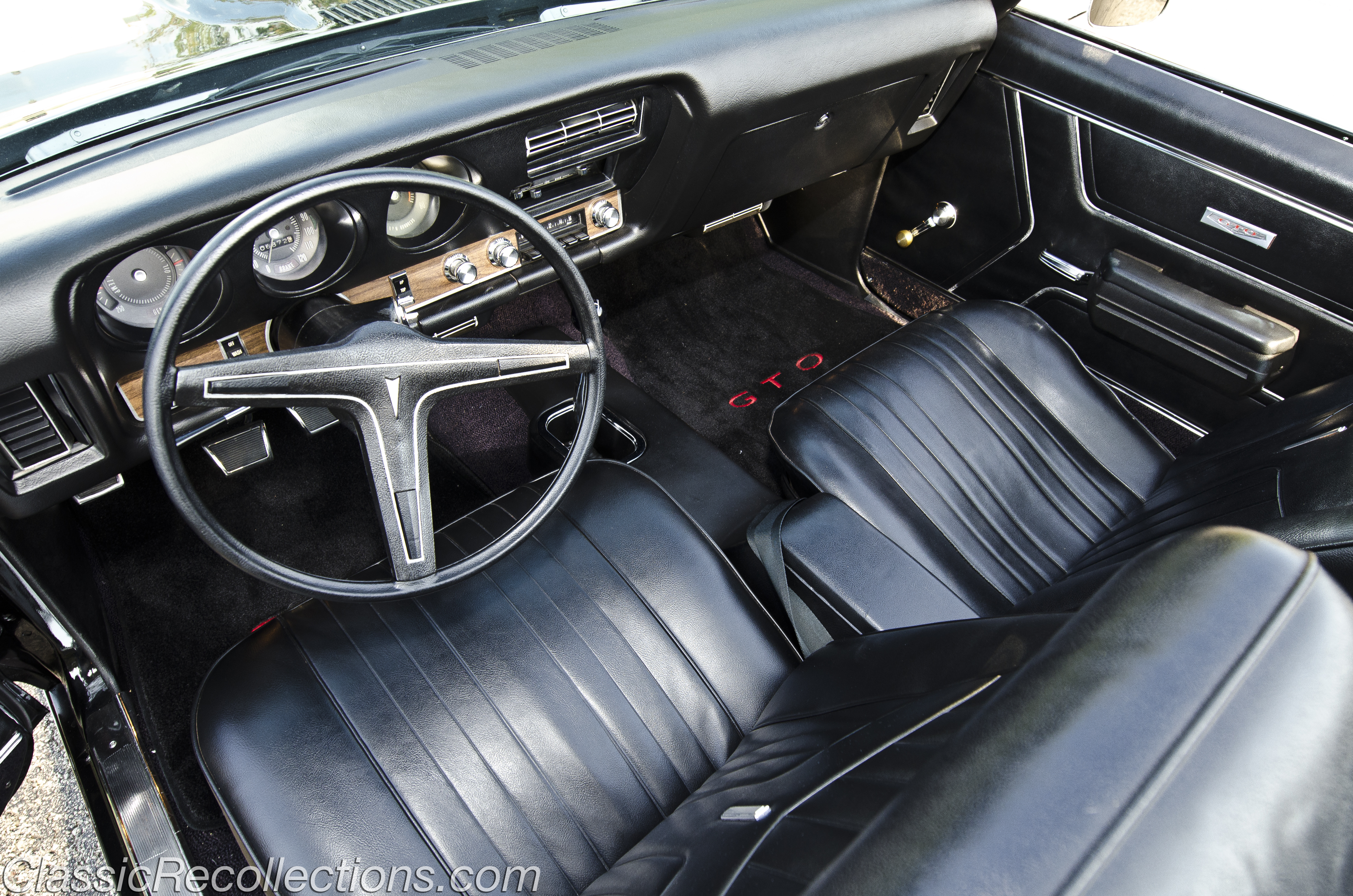 feature 1969 pontiac gto classic recollections rh classicrecollections com pontiac vibe manual transmission problems pontiac manual transmission for sale