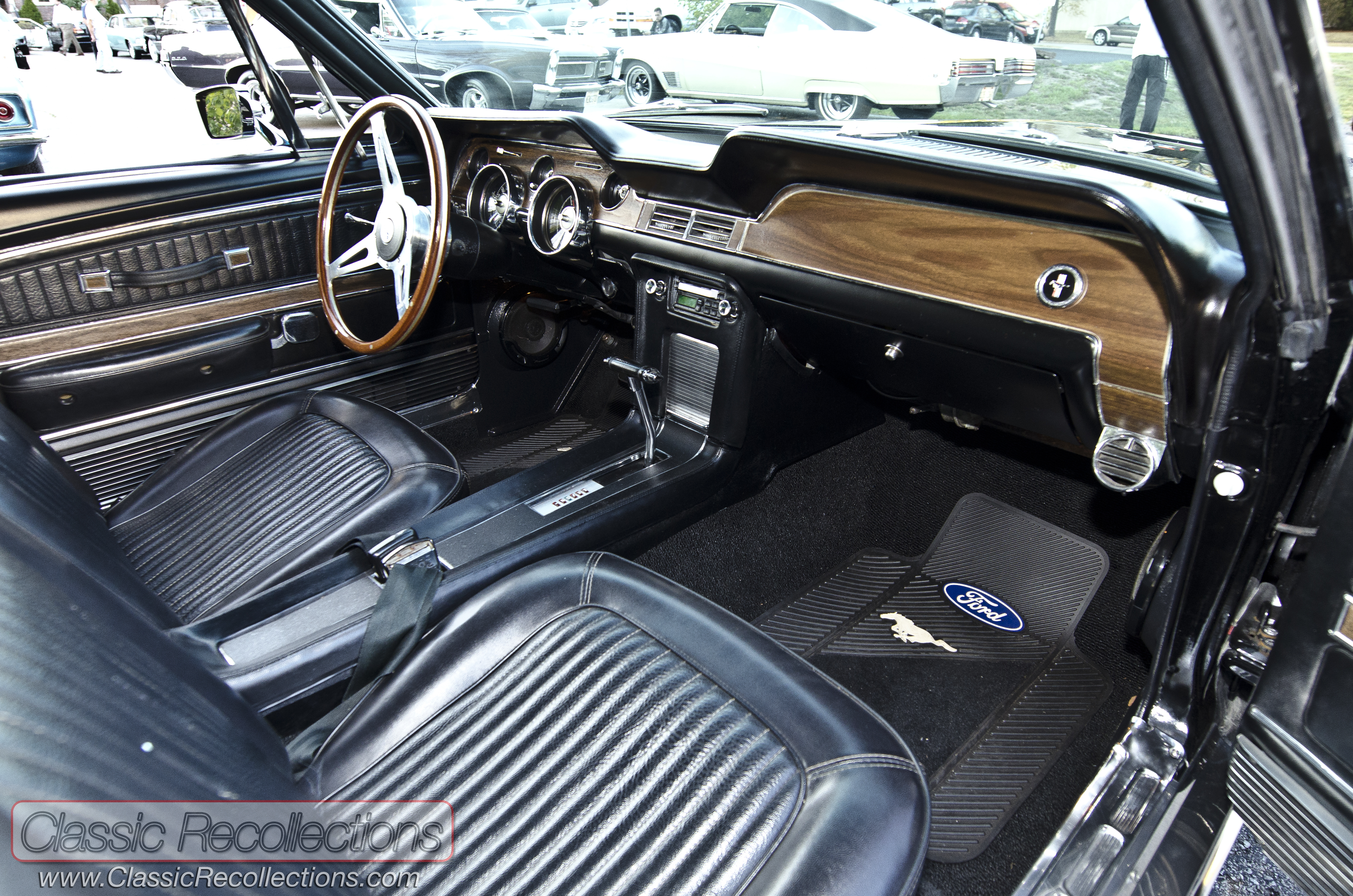 the interior looks stock on this 1968 ford mustang gt
