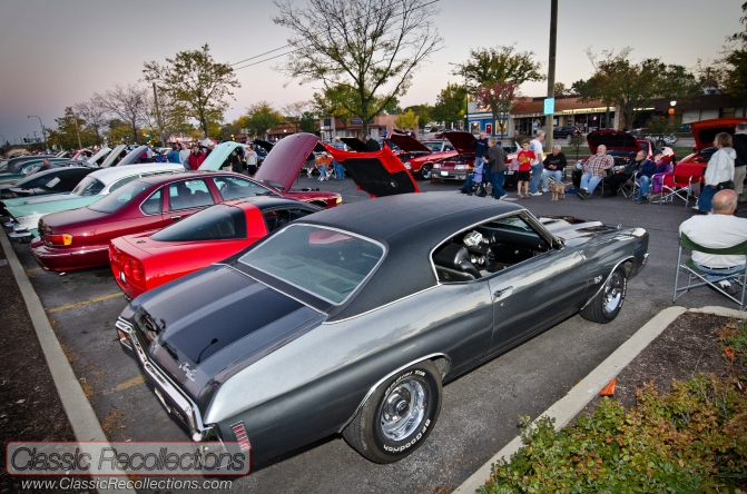 Mount Prospect Illinois cruise night was a popular cruising destination for 2012.