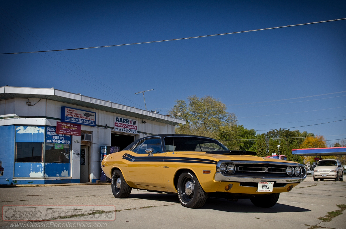 ON THE ROAD: 1971 Dodge Challenger R/T