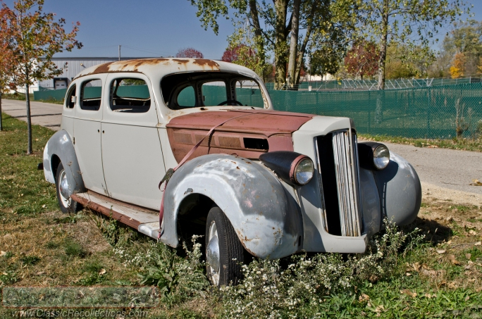 We found this 1939 Packard sedan in northern Illinois.