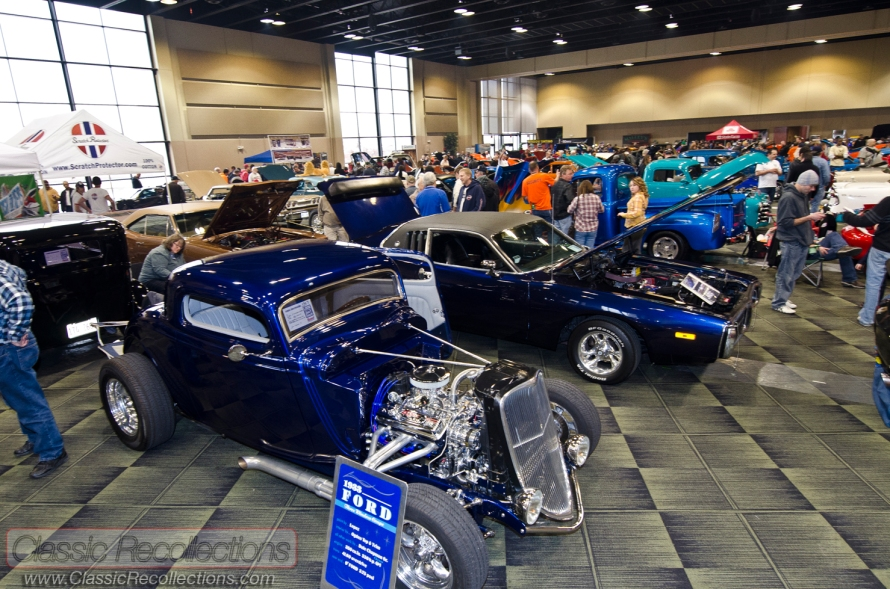 Classic cars parked at the Custom Rides Car Show and Expo in Tinley Park, Illinois.